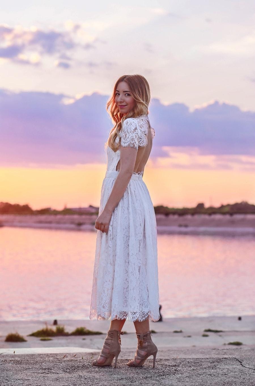 Andreea Ristea - shooting foto, apus, Insula lacul morii, bucuresti, rochie alba din dantela
