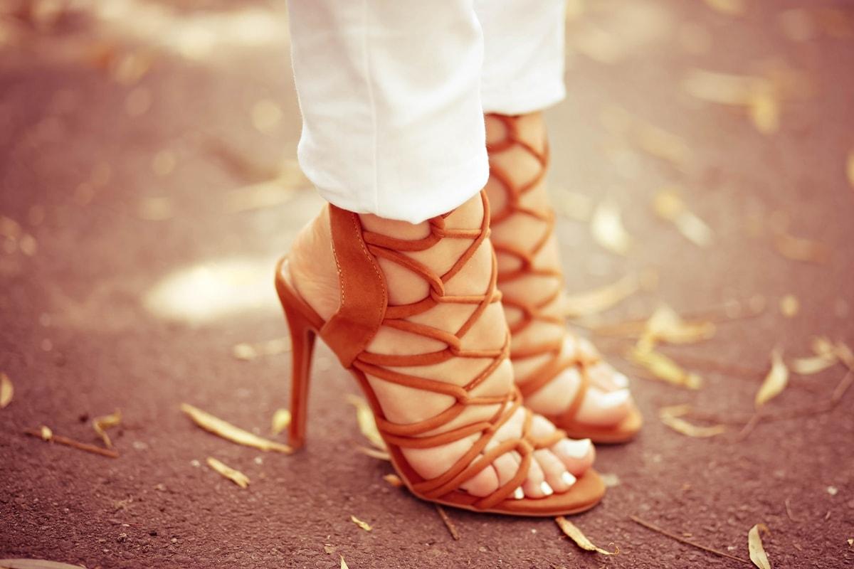 sandale cu siret, maro