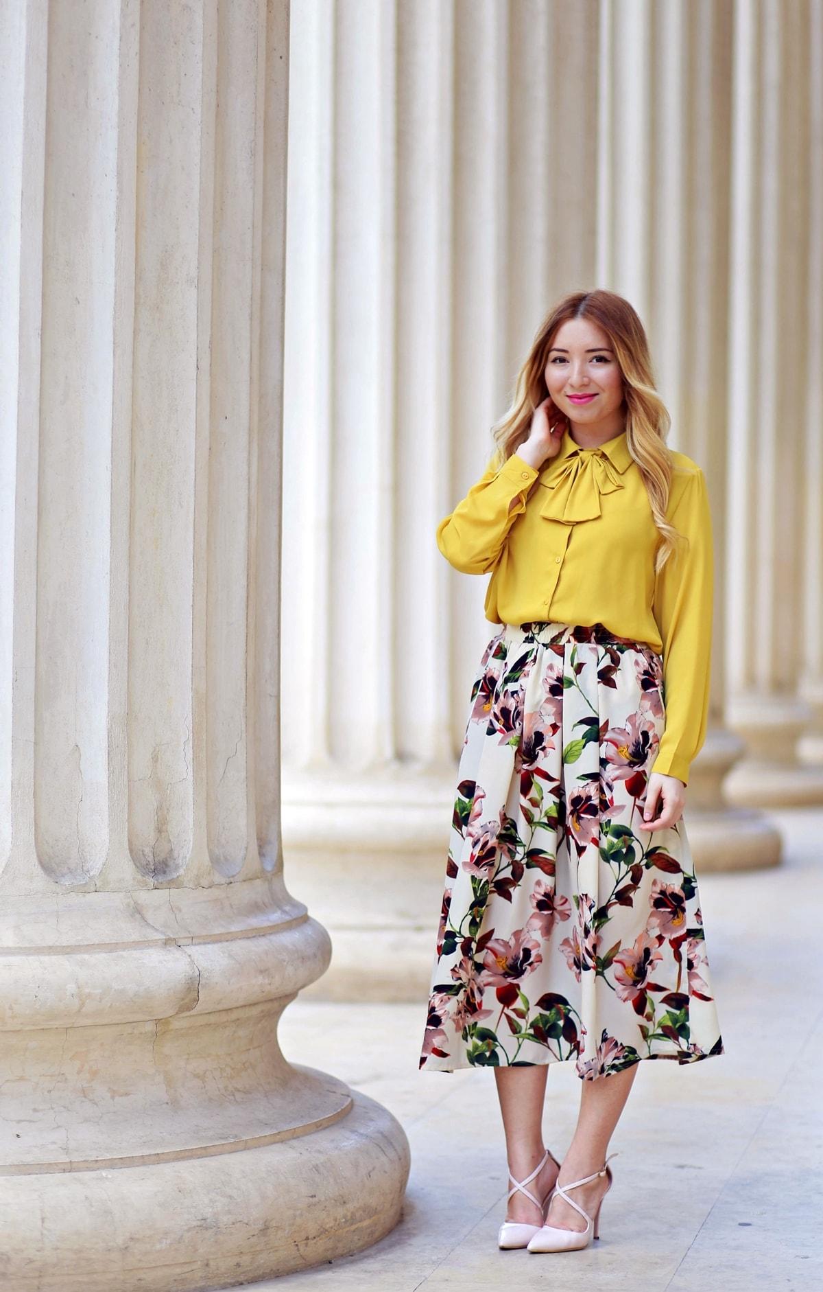 Andreea Ristea - tinuta romantica, vintage, fusta cu imprimeu floral, midi, tinuta primavara vara, 2016, camasa cu funda galben mustar, tinuta tipologie toamna