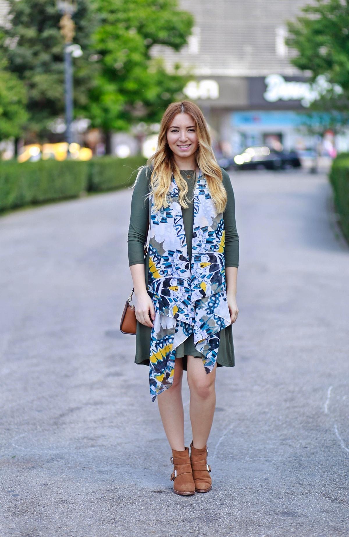 Andreea Ristea blog - tinuta rochie casual, verde militar, esarfa h&m, romwe
