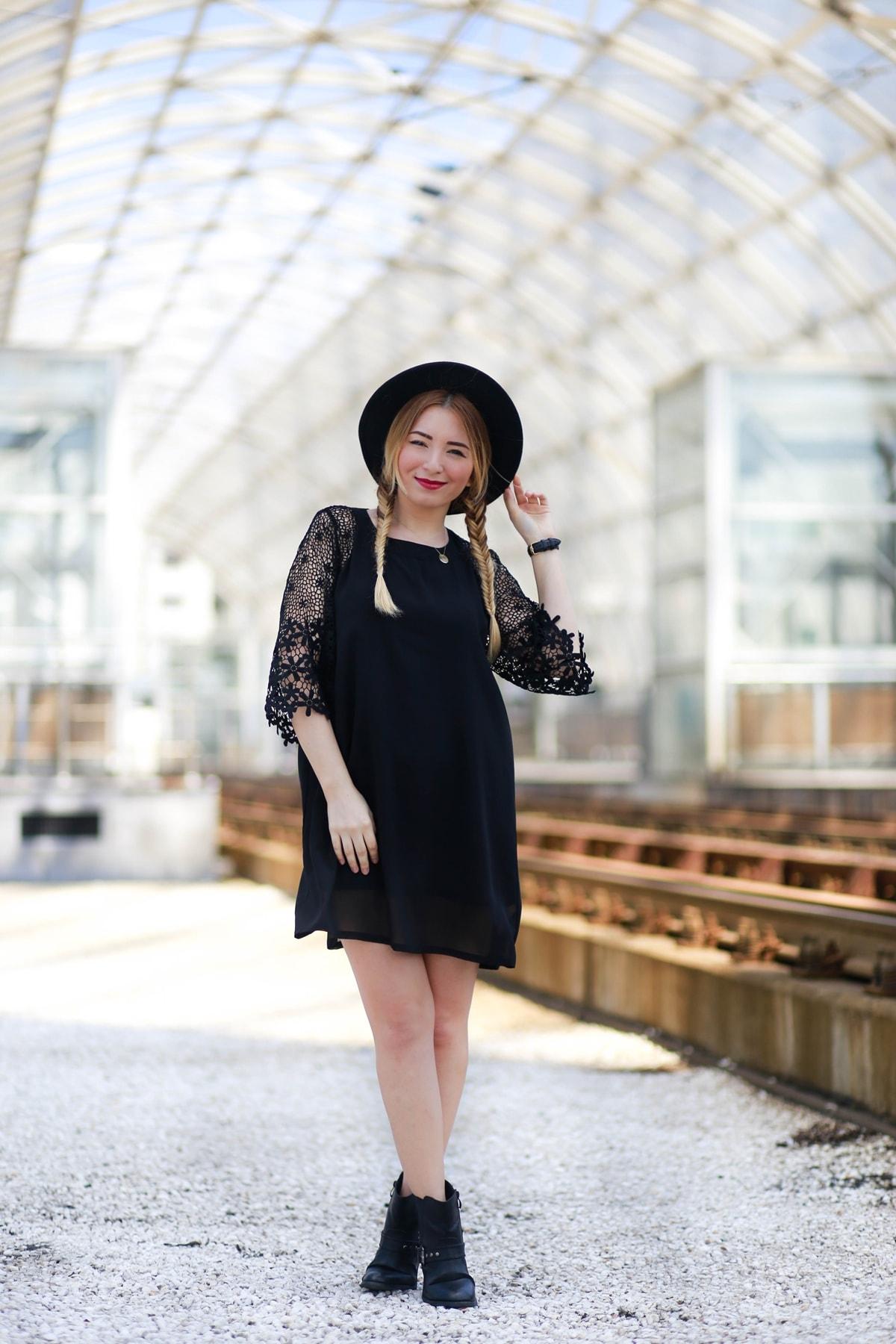 andreea ristea - all black, tinuta cu rochie neagra de zi, de vara, podul barasab bucuresti, blogger moda