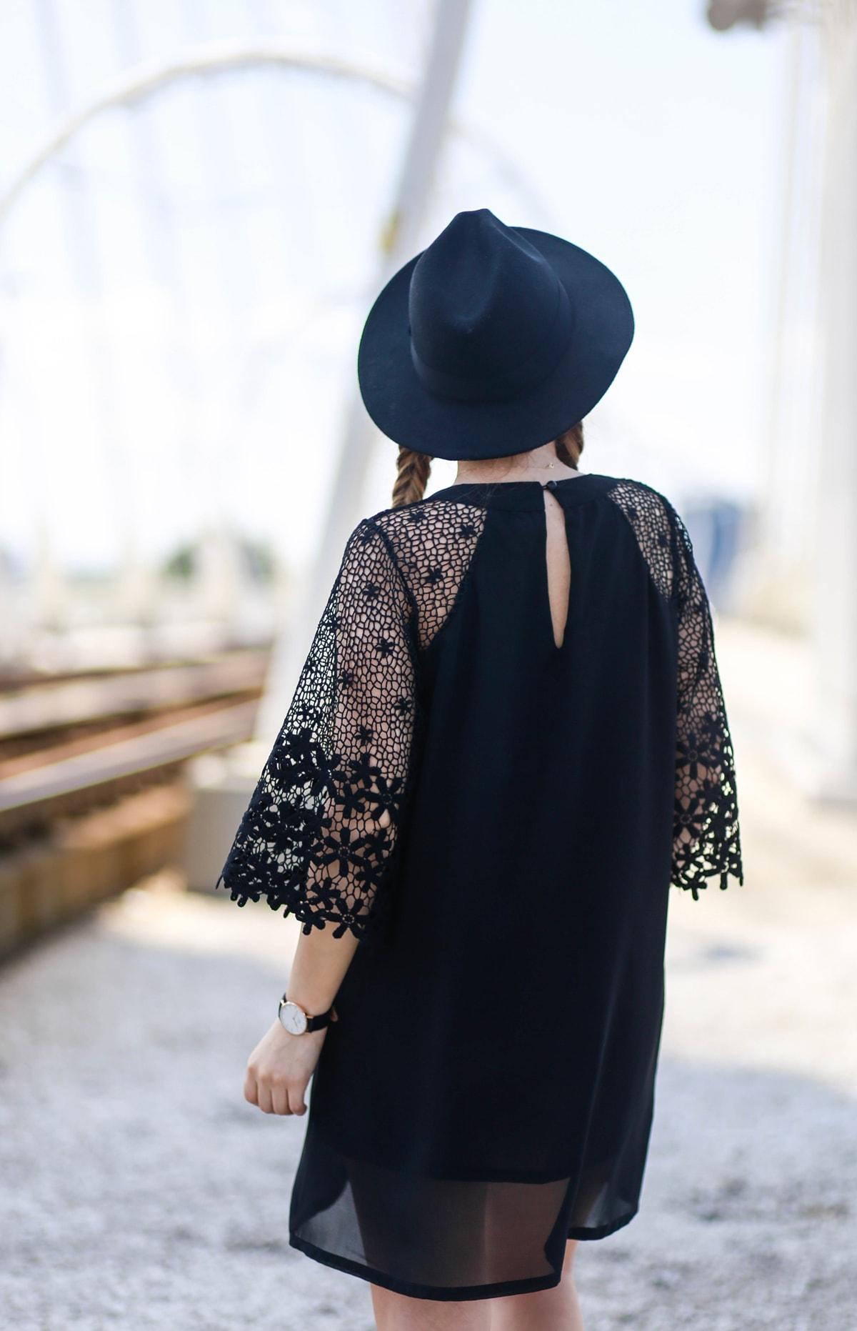 rochie neagra simple, scurta, de zi - tinuta de vara all black