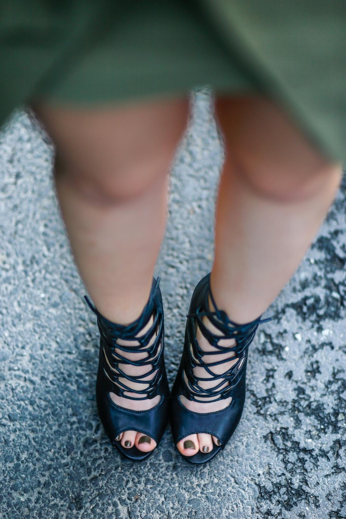 sandale cu siret negre