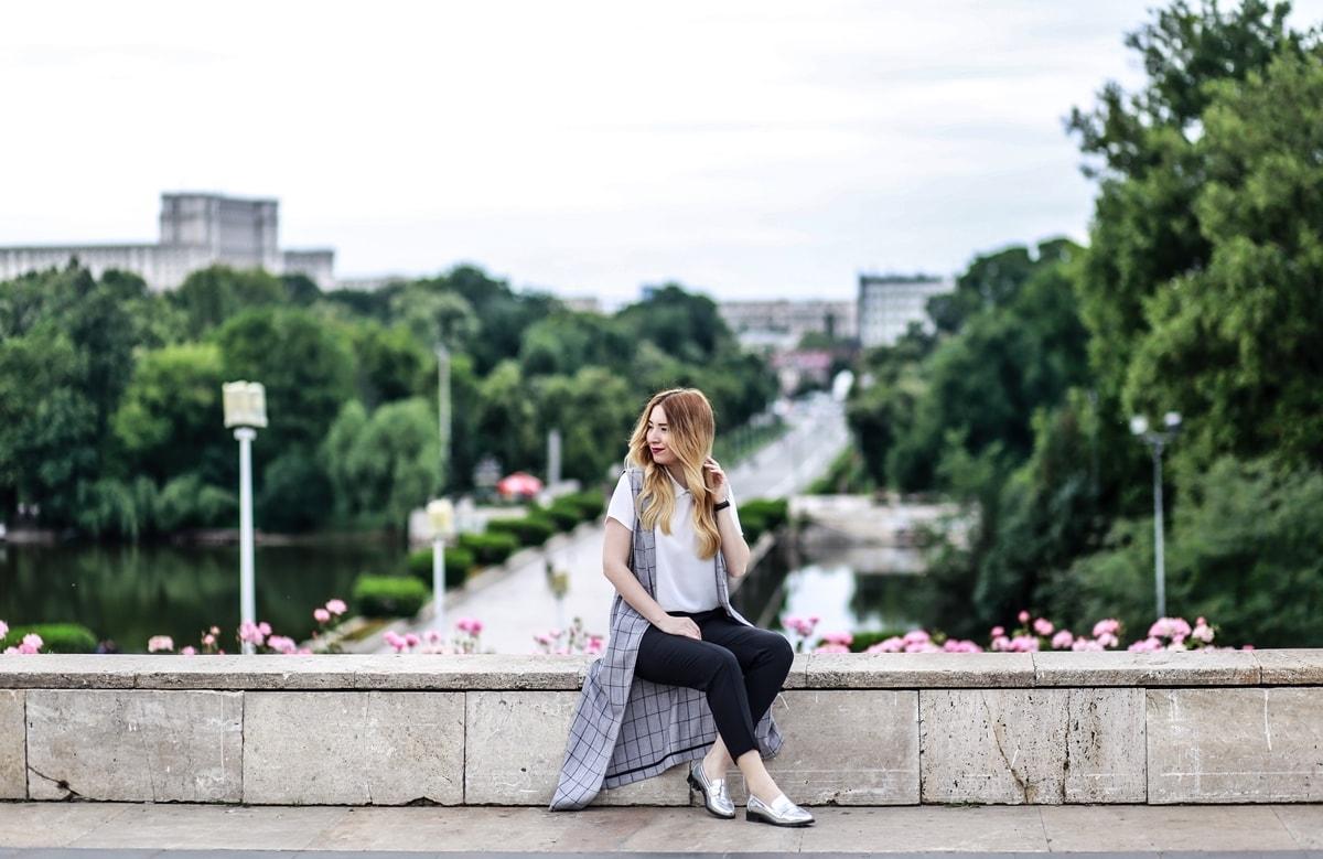 Andreea Ristea for woman fashion london - fashion blogger Bucuresti - Parcul Carol