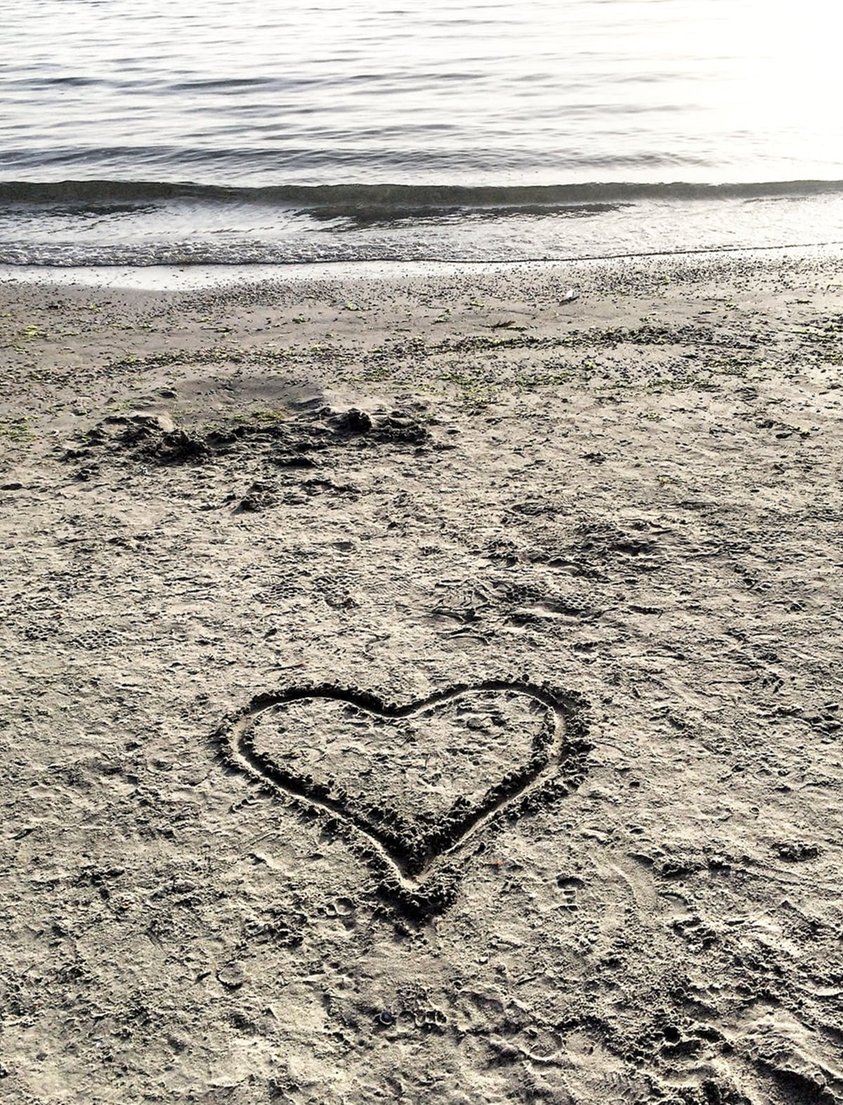 inima in nisip - plaja mamaia