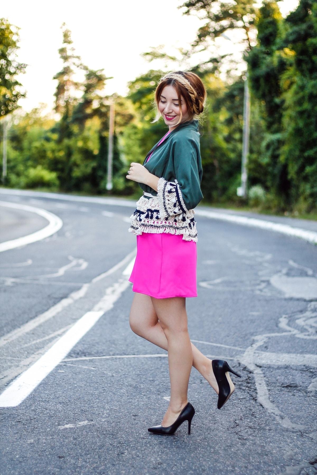 andreea ristea - rochie roz fucsia, tinuta colorata de vara