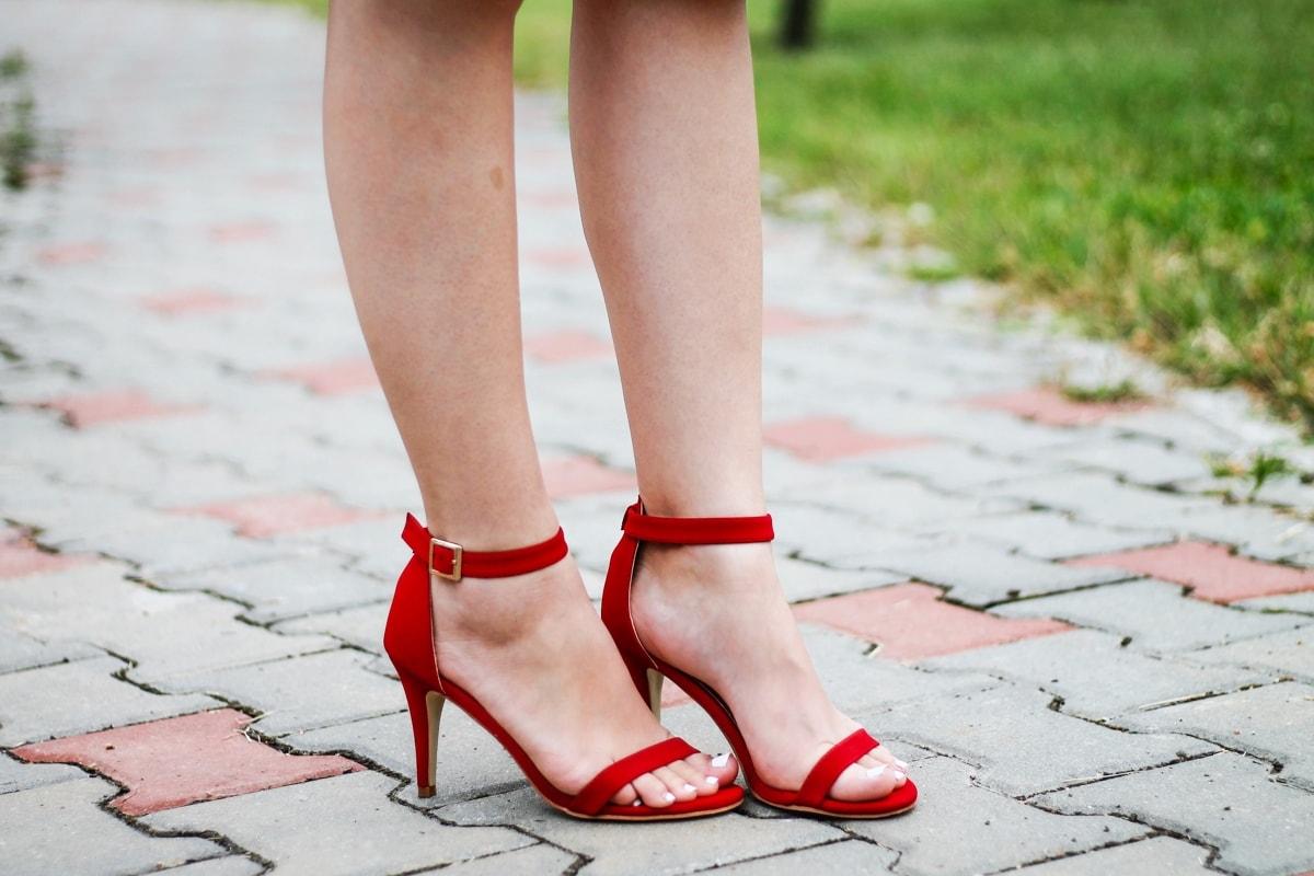 sandale clasice rosii
