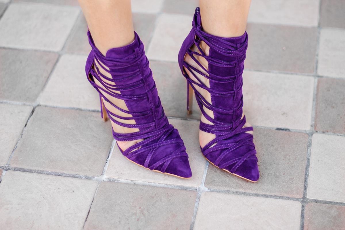 Pantofi mov cu siret