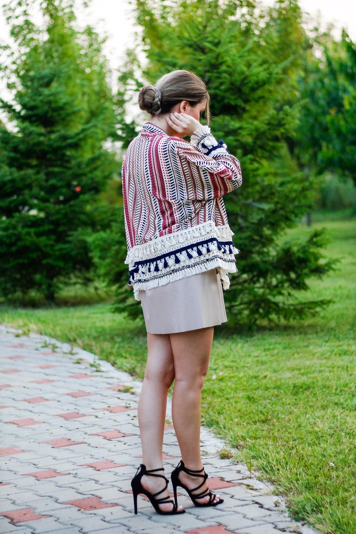 Andreea Ristea - cum purtam kimonoul intr-o tinuta cu fusta eleganta