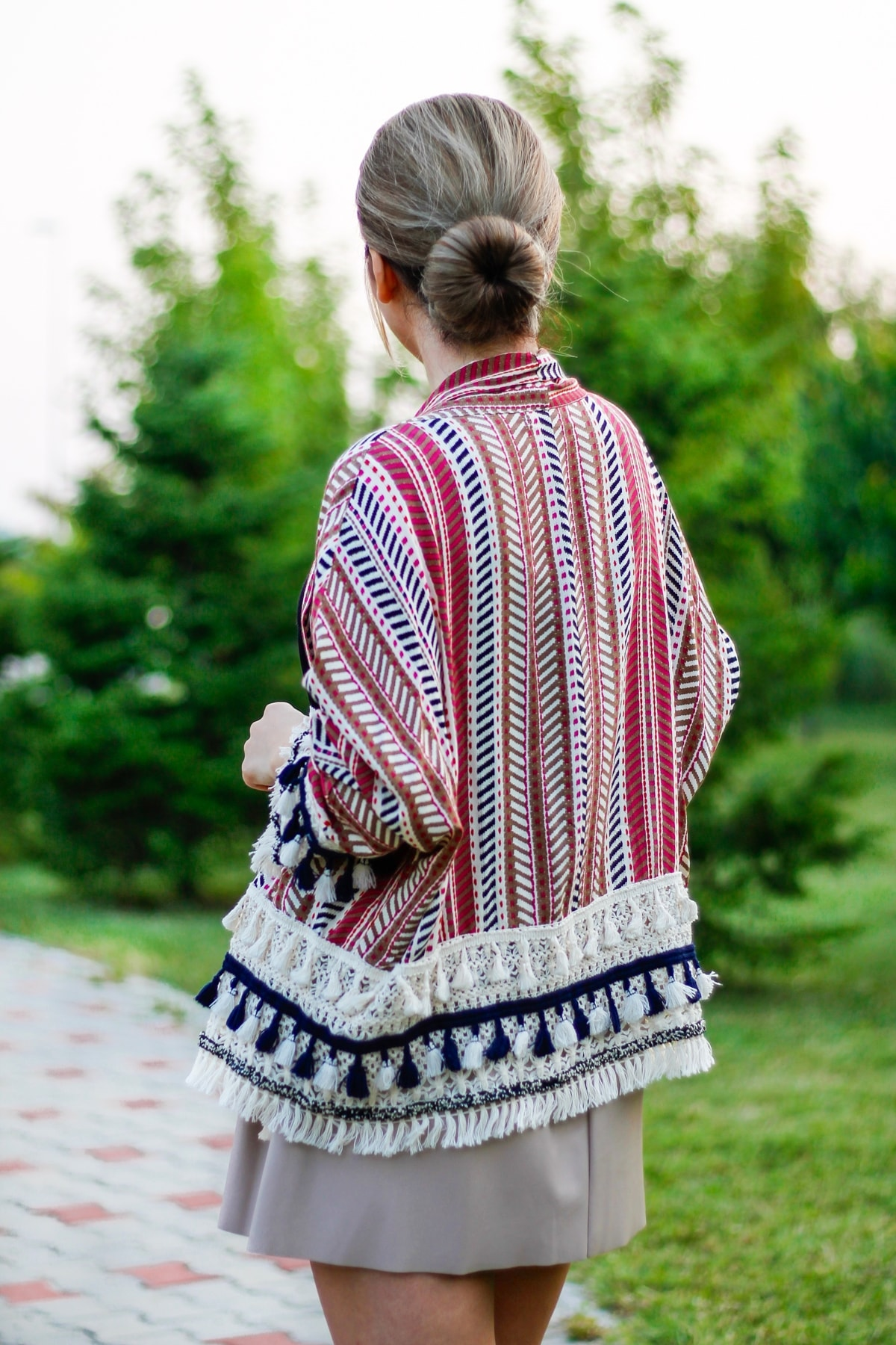 kimono tassels, stripes, romwe, fashion blogger andreea ristea, street style