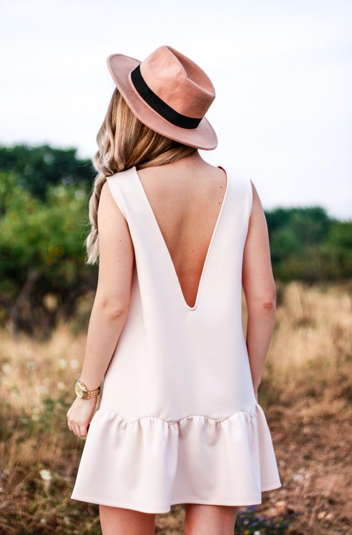 Rochie de vara cu spatele gol in V, roz pal, nude