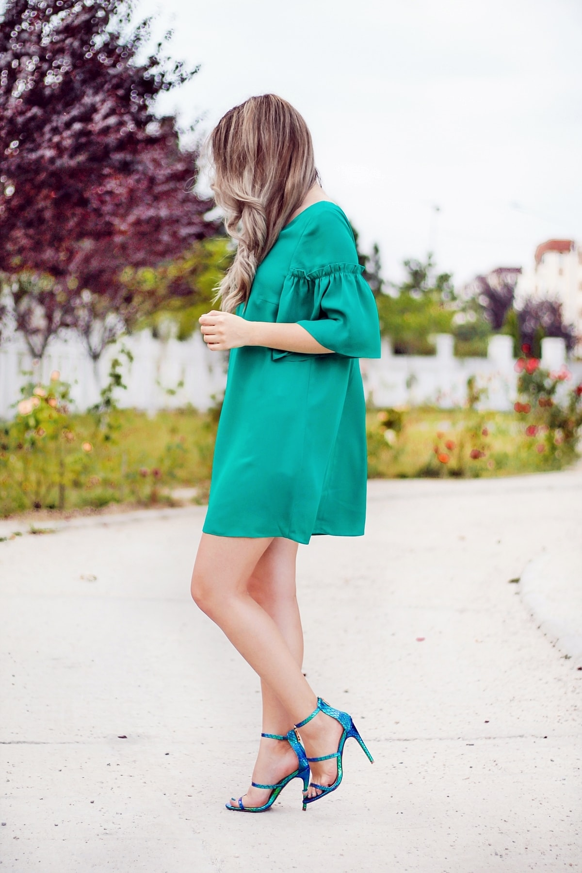 street style, green a line dress, chameleon sandals, green, blue, aqua green, summer outfit, andreea ristea, fashion blogger, summer look