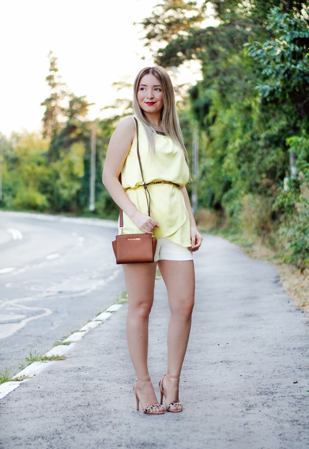 Street style: yellow top, leopars print belt and sandals, shoes, heels, michael kors bag, mini selma, andreea ristea blog