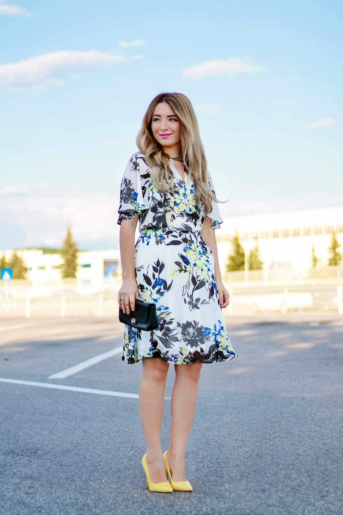 Rochie de vara, vaporoasa, cu imprimeu floral - Woman Fashion, Andreea Ristea, tinuta de vara, blogger moda Pitesti