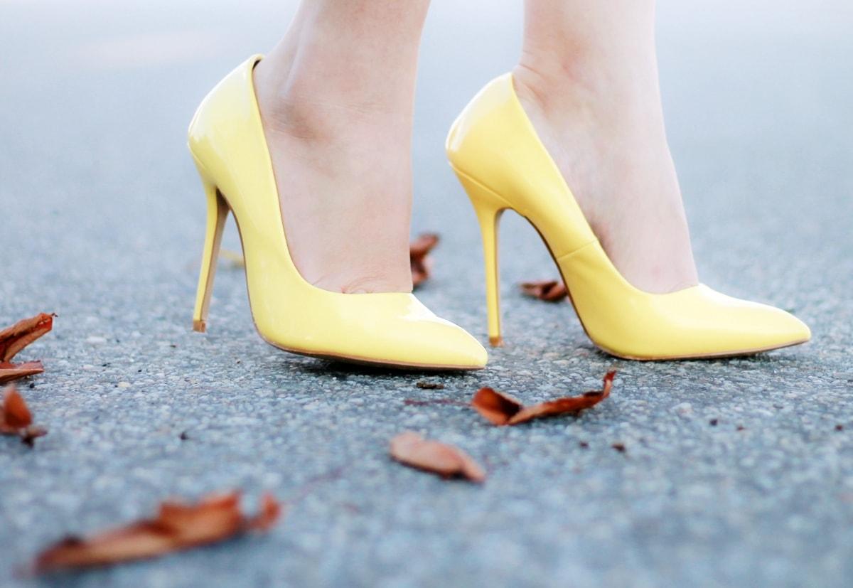 pantofi stiletto galben pastel poema