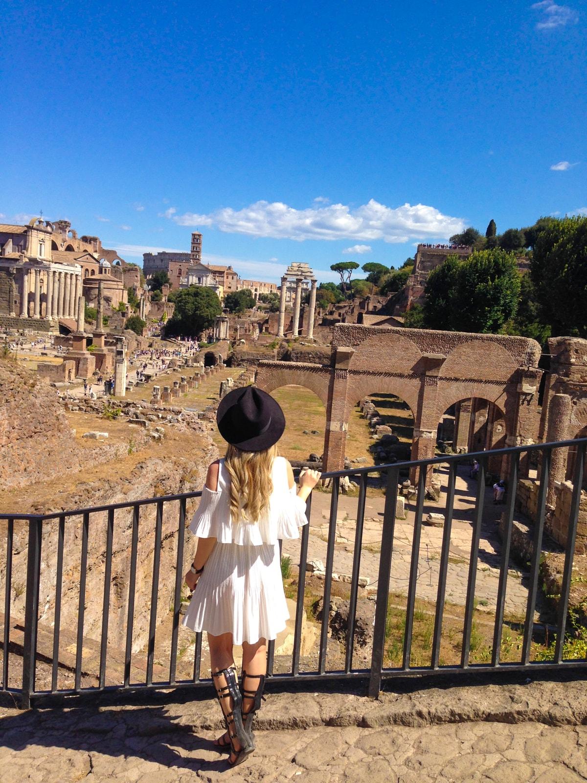 forul roman, vacanta la roma, obiective de vizitat, cum sa eviti cozile, tinuta de vacanta, august 2016