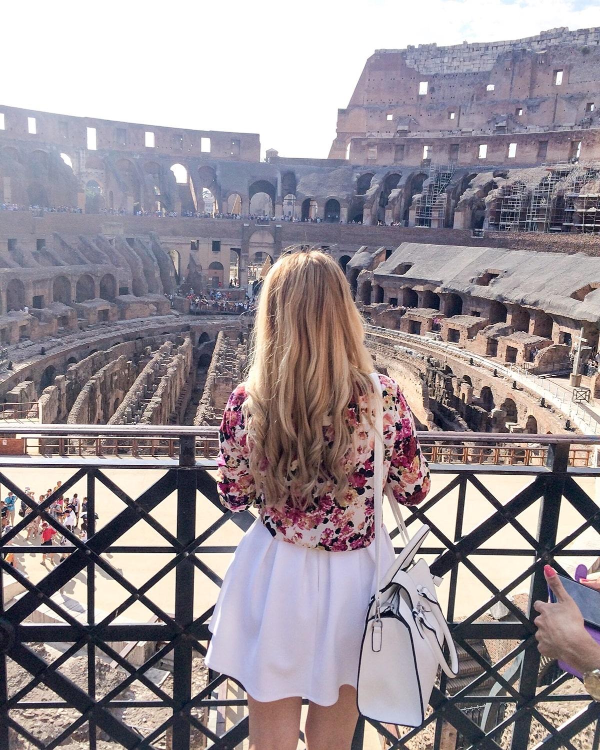 andreea ristea - travel, colosseum, poze interior
