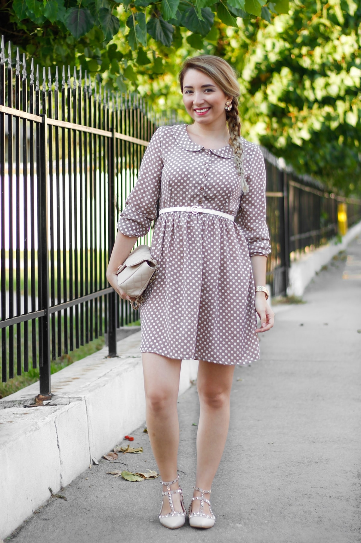 street style outfit, nude brown dress, white dots, white belt, nude bag, nude valentino inspired shoes