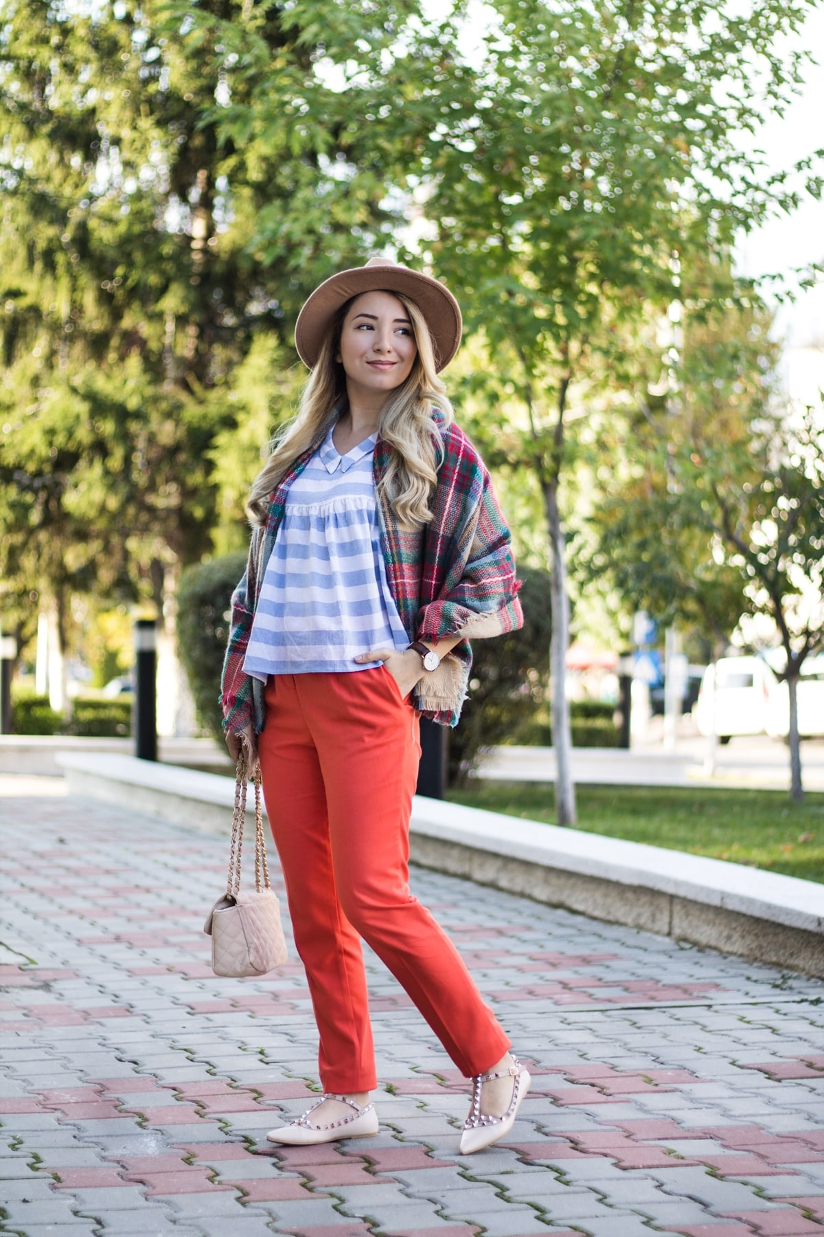 Street style: orange pants, babydoll blouse, white and blue stripes, camel hat, valentino inspired flats, autumn look, by andreea ristea