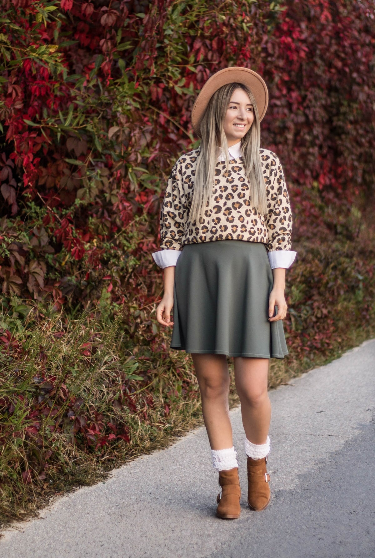 Andreea Ristea - blogger, tinuta peisaj toamna in culori pamantii