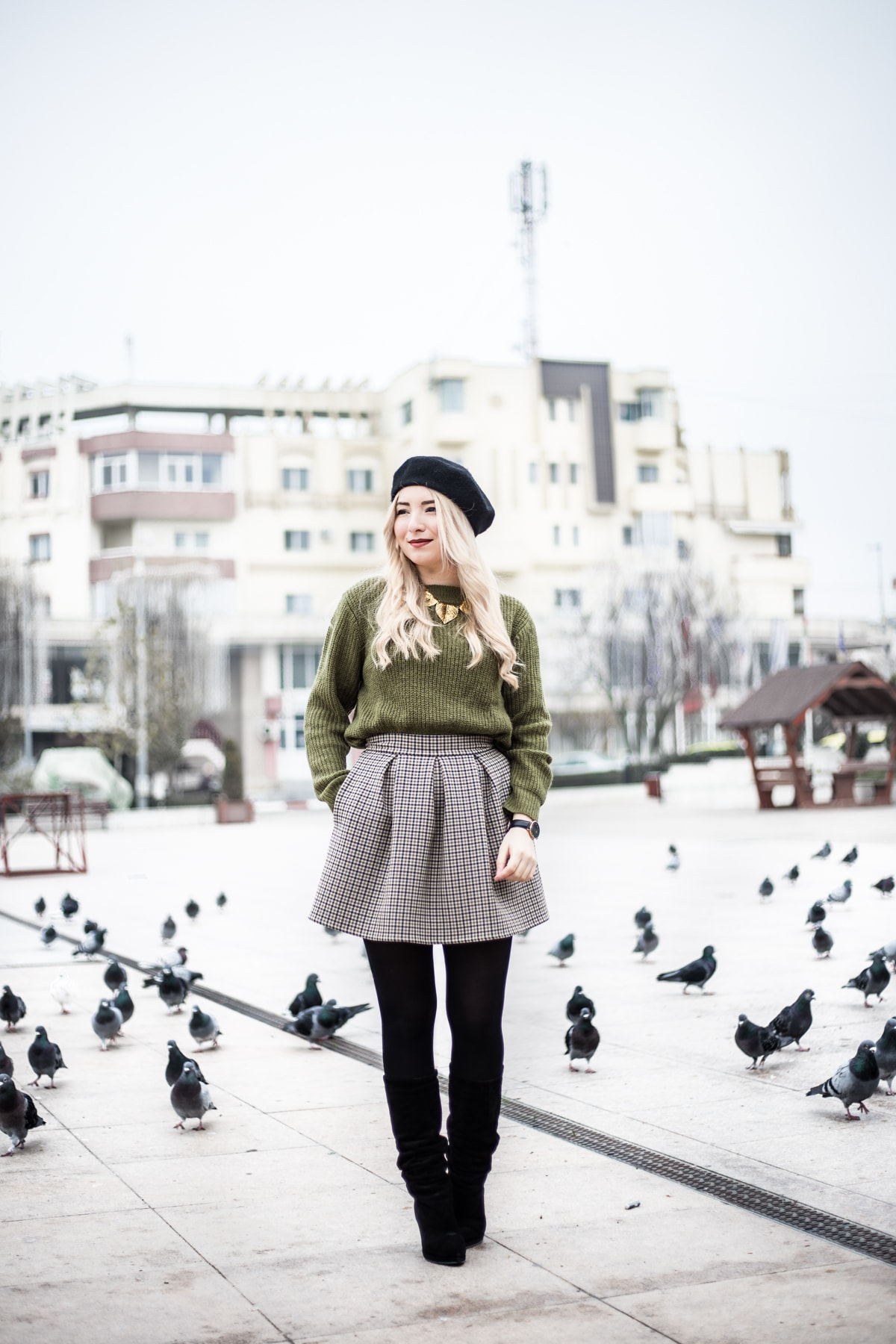 Street style, fall, autumn, winter, look, outfit, military green sweater, plaid mini skirt, short skirt, plaids, black tights, black boots, Andreea Ristea, fashion blogger, Romania