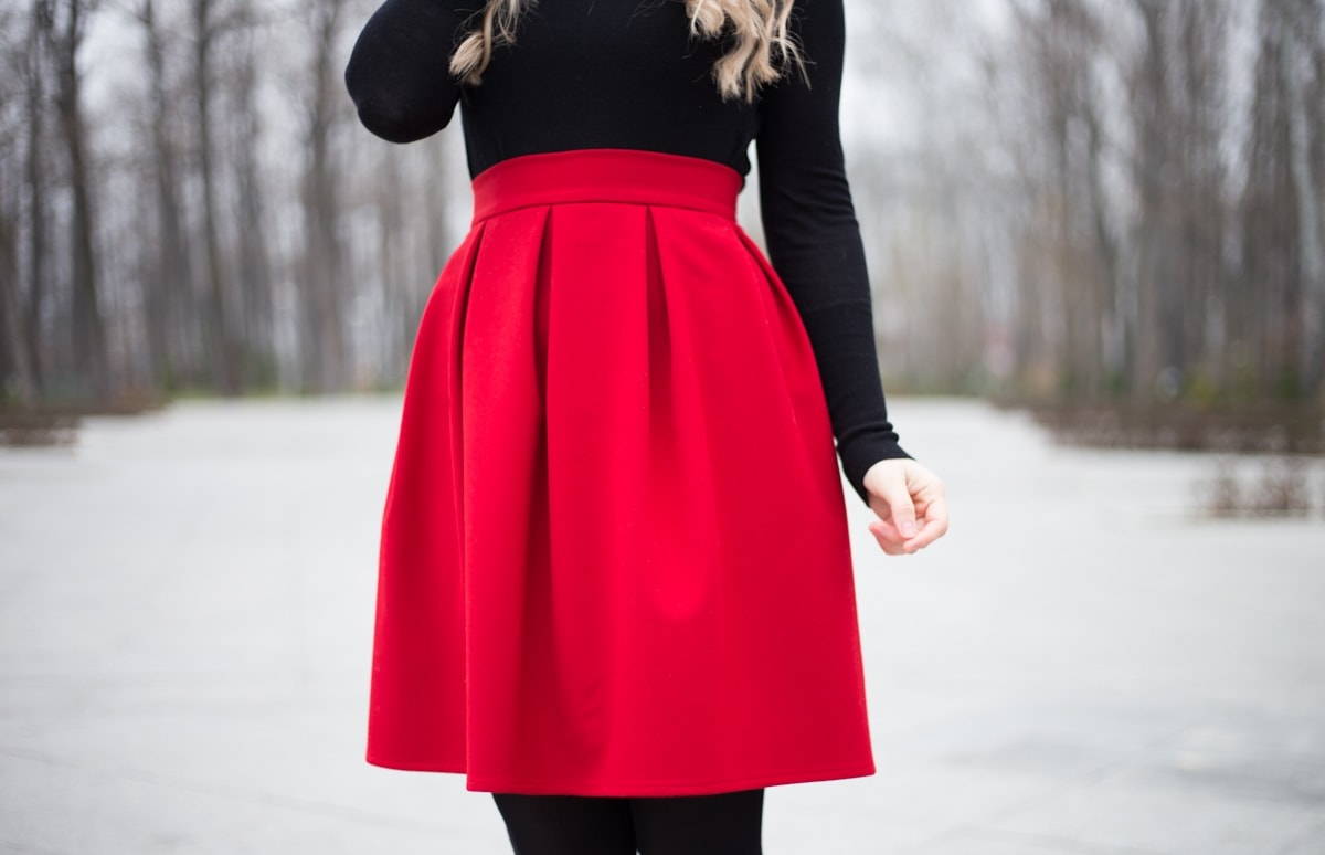 Fusta cu pliuri Andreea Design rosie