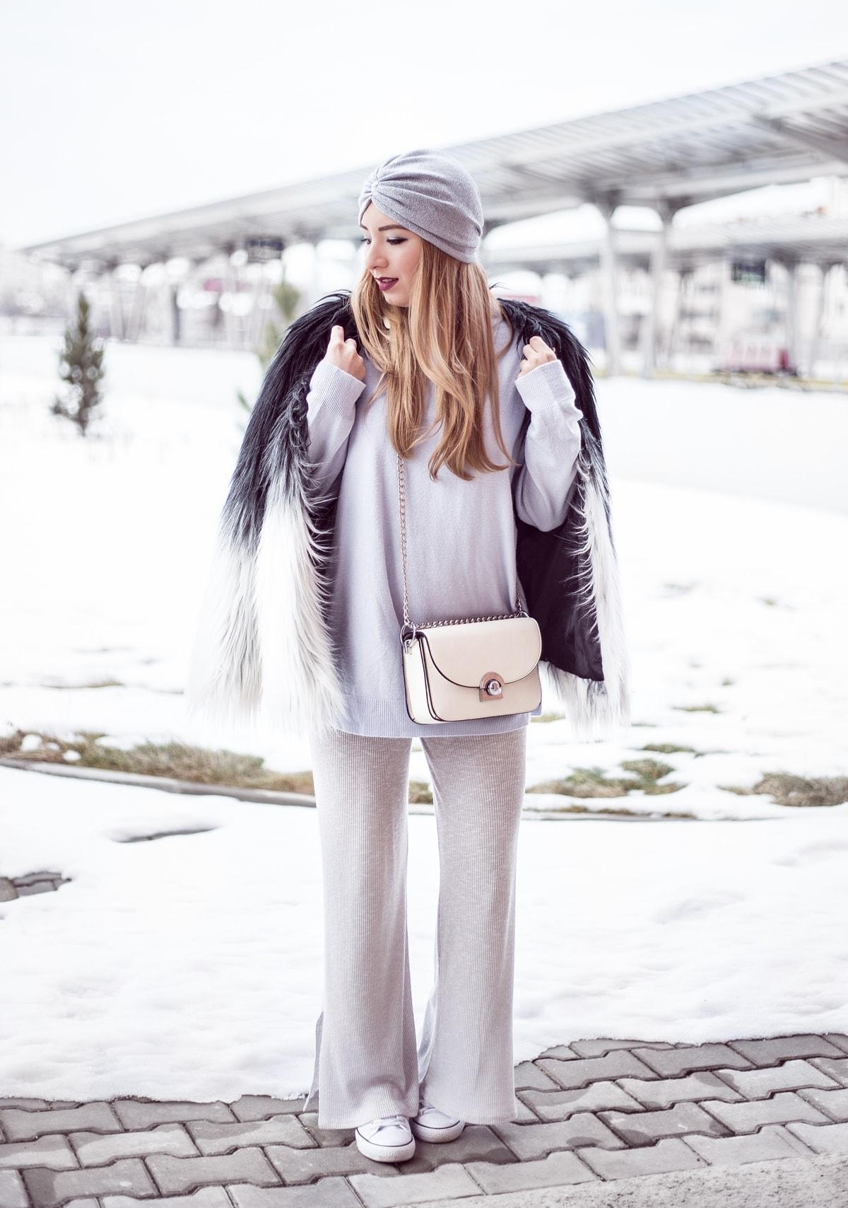 Tinuta cu stil, iarna, jacheta blana artifciala alb negru, pantaloni din tricot gri, tinuta lejera, turban accesorizat, lune.ro, andreea ristea, blogger moda, pitesti
